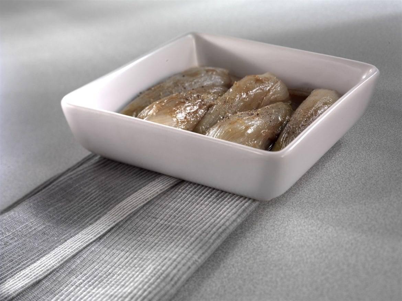 Gestoofde witloofstronkjes met chocoladedressing Oxfam recept