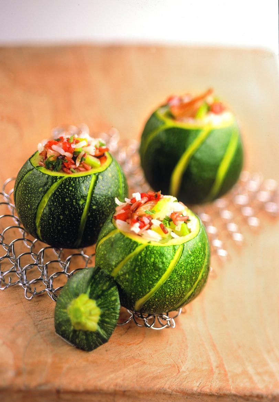 Kleine, ronde courgettes gevuld met Worldmix Oxfam recept
