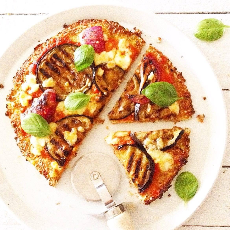 Pizzabodem van bloemkool en amandel Oxfam recept