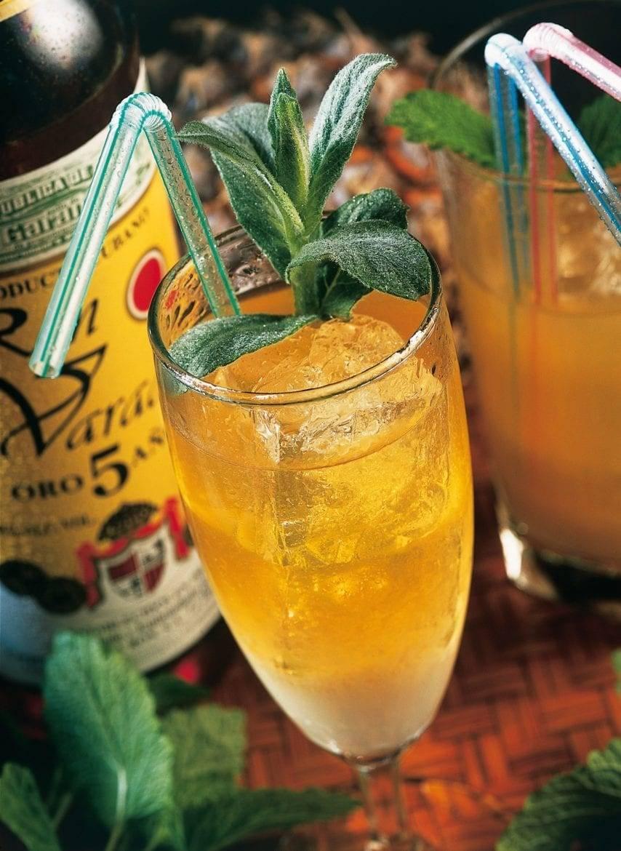 Rum ananas cocktail Oxfam recept