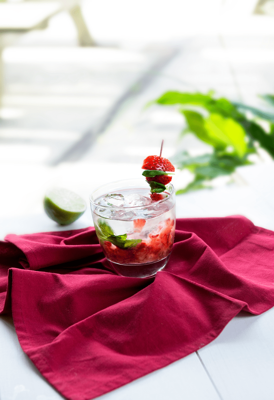 Rumpunch met aardbeien en basilicum Oxfam recept