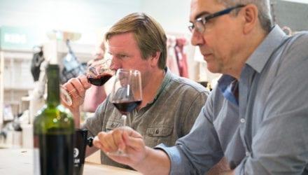 Oxfam-wijnteam in actie Oxfam artikel