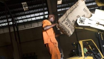 Vrijwillige initiatieven rond mensenrechten in de toeleveringsketens voldoen niet Oxfam artikel
