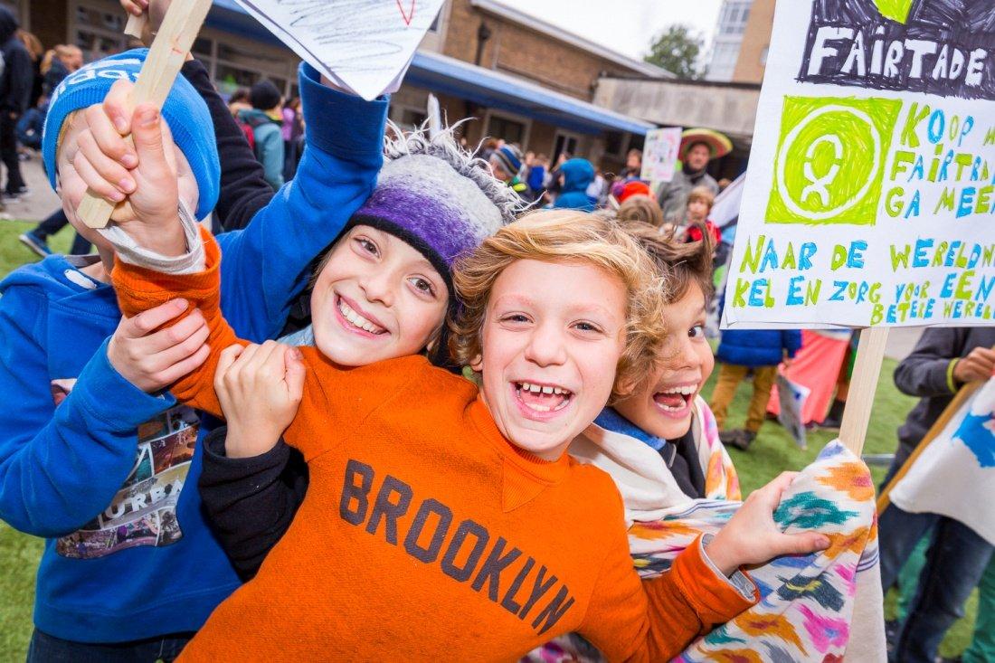 Wedstrijd voor scholen: QUE?! Afvoeren dié handel! Oxfam artikel